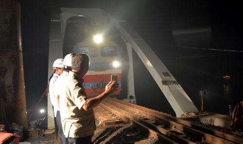 Đường sắt Việt Nam thất thu vì sự cố sập cầu Ghềnh - Ảnh 1