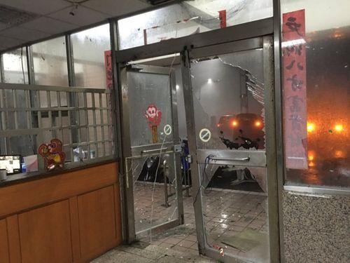 Đài Loan tan hoang vì siêu bão Nepartak đổ bộ - Ảnh 3