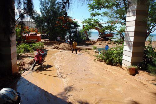 Phó Thủ tướng yêu cầu làm rõ sai phạm vụ vỡ hồ bùn thải titan tại Bình Thuận - Ảnh 1