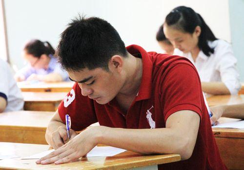 TP. Hồ Chí Minh huy động hàng trăm giáo viên chấm thi THPT quốc gia - Ảnh 1