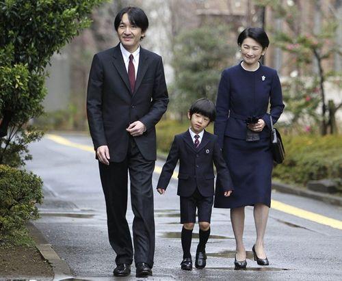 Cuộc sống giản dị ít người biết của hoàng tử Nhật Bản - Ảnh 2