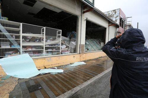 Siêu bão Meranti mạnh nhất thế giới đổ bộ, Đài Loan tan hoang - Ảnh 6