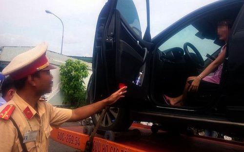 CSGT được cẩu cả người và xe vi phạm giao thông trong trường hợp nào? - Ảnh 1