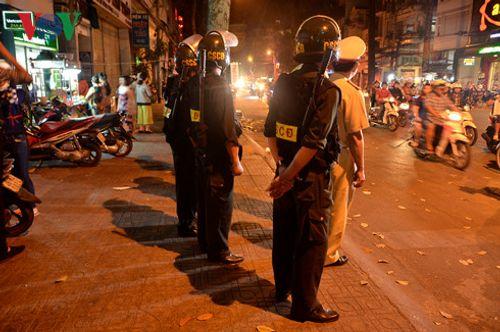 TP. Hồ Chí Minh siết chặt an ninh đón Tổng thống Pháp - Ảnh 1