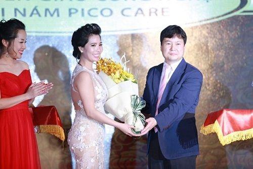 Tuấn Hưng, Hồ Quang Hiếu cháy hết mình chúc mừng TMV Thiên Hà - Ảnh 2