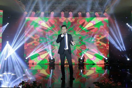 Tuấn Hưng, Hồ Quang Hiếu cháy hết mình chúc mừng TMV Thiên Hà - Ảnh 3