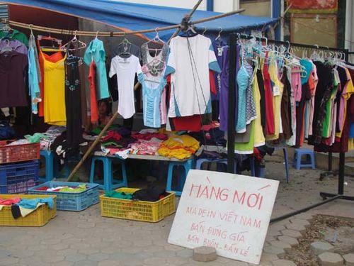 """Chuyên gia bày cách vạch trần quần áo """"ruột Trung Quốc, nhãn Việt Nam""""  - Ảnh 1"""