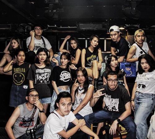 Nhóm bạn thân Thái Lan chụp ảnh như mẫu thời trang tại Việt Nam - Ảnh 5