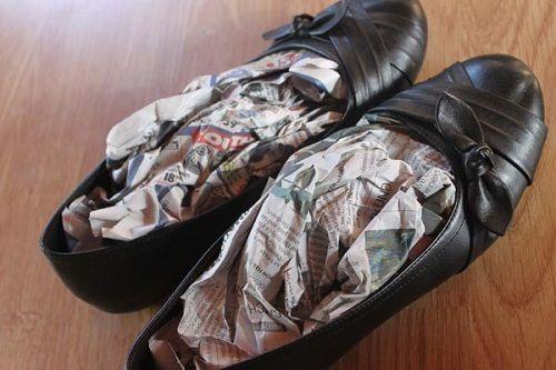 Cách bảo quản giày dép trong những ngày mưa - Ảnh 2