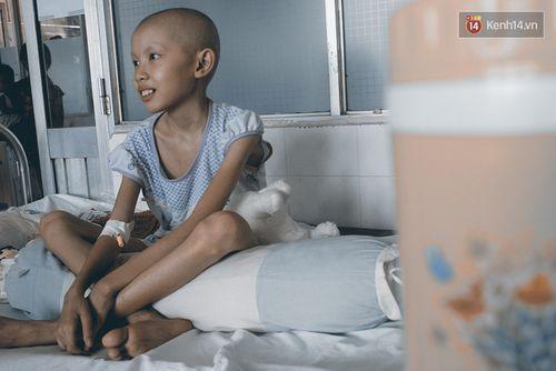 Xót xa bé gái ung thư bị bỏ rơi được mẹ nuôi chăm sóc - Ảnh 5