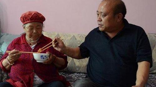 Cái kết bất ngờ của người chồng 9 năm giấu vợ nuôi mẹ đẻ - Ảnh 3