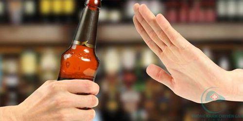Lý do khiến bạn nhất định phải kiêng rượu bia khi uống thuốc - Ảnh 2