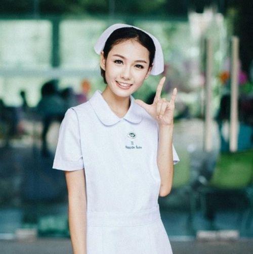 Chiêm ngưỡng nhan sắc của cô y tá xinh đẹp nhất Thái Lan - Ảnh 1