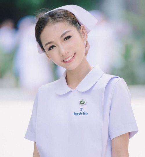 Chiêm ngưỡng nhan sắc của cô y tá xinh đẹp nhất Thái Lan - Ảnh 2
