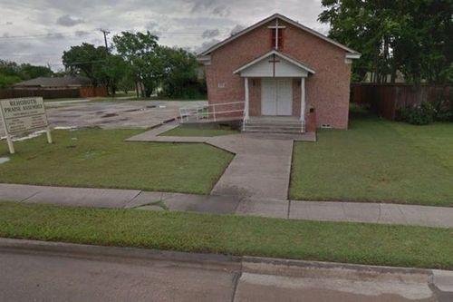 Bé 3 tuổi tử vong vì bị bố mẹ bỏ quên trong xe hơi khi đi nhà thờ - Ảnh 2