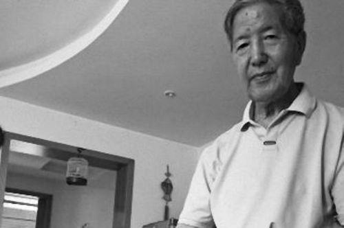 Cảm động lý do khiến cụ ông 70 tuổi viết thư cho vợ quá cố mỗi ngày - Ảnh 1