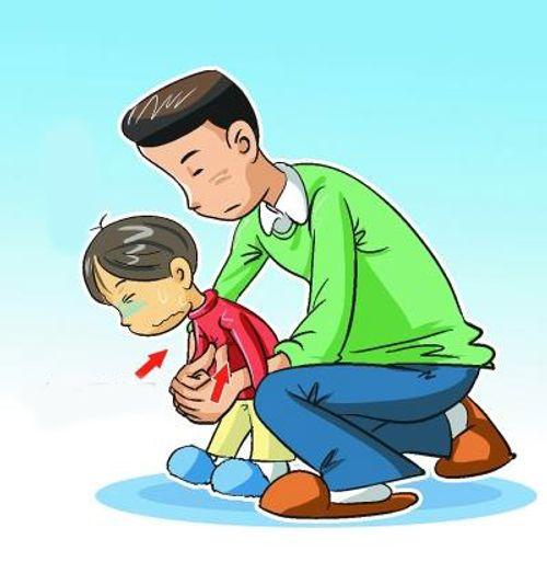 Cách sơ cứu khi trẻ bị hóc dị vật đường thở - Ảnh 2