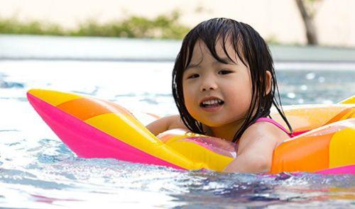 Những thực phẩm nên tránh ăn trước khi bơi - Ảnh 1