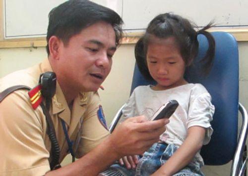 Những kỹ năng cơ bản xử lý khi trẻ bị lạc, bố mẹ nên sớm dạy con - Ảnh 2