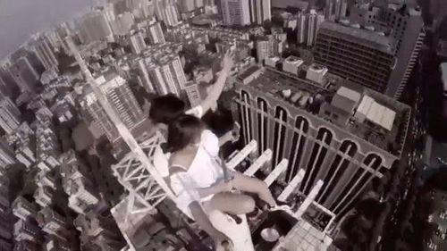 """Khi selfie trở thành """"đại dịch"""" kéo theo những cái chết đầy hi hữu - Ảnh 3"""