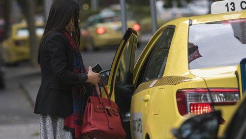 Những điều cần nhớ để di chuyển an toàn bằng taxi - Ảnh 1