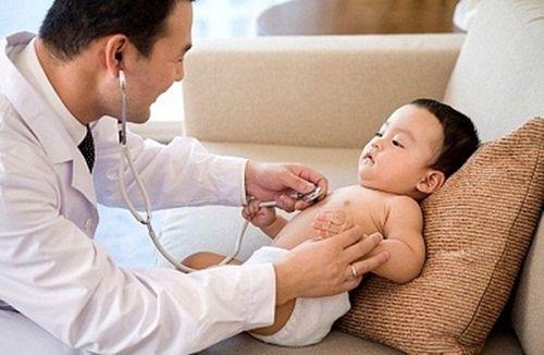 Dấu hiệu nhận biết trẻ đang mắc bệnh còi xương - Ảnh 1