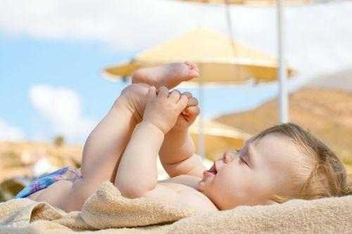 Dấu hiệu nhận biết trẻ đang mắc bệnh còi xương - Ảnh 2