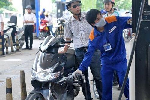 Giá xăng tiếp tục tăng vào ngày mai - Ảnh 1