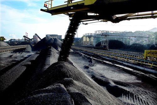 """Nhập khẩu than """"vỡ kế hoạch"""", vượt lên 9,7 triệu tấn - Ảnh 1"""
