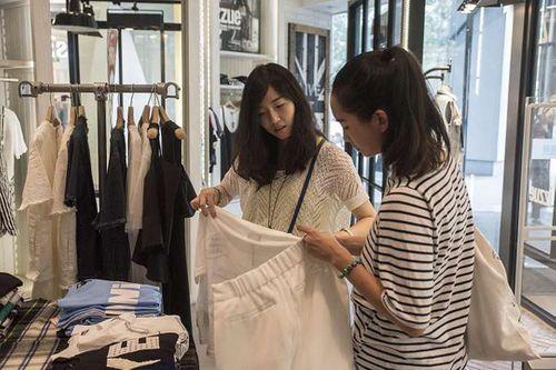 Kinh tế Trung Quốc khó phát triển vì phụ nữ không thích kết hôn - Ảnh 1