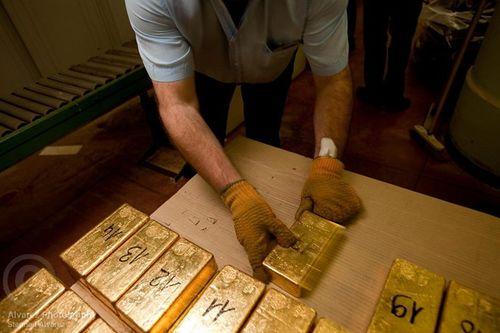 Điểm danh những quốc gia dự trữ nhiều vàng nhất thế giới - Ảnh 3