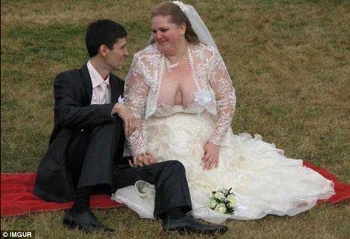 Những bộ áo cưới thảm họa nhất trong lịch sử thời trang - Ảnh 12