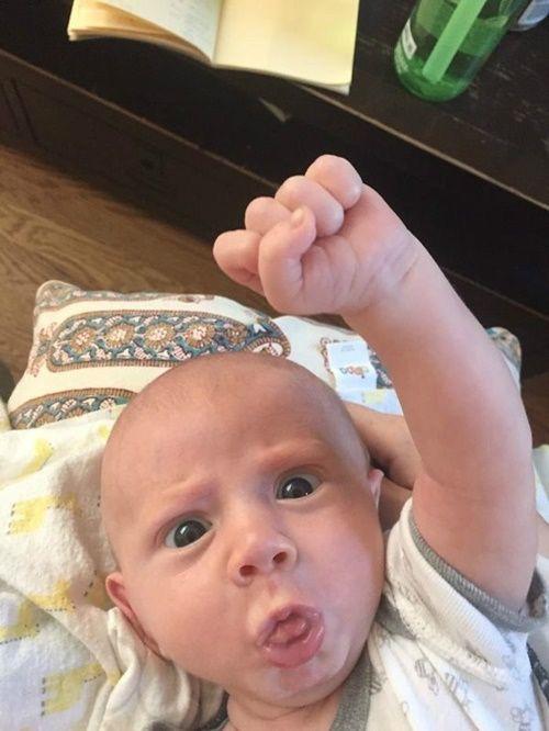 14 sắc thái biểu cảm của bé con 4 tháng khiến bạn vui ngay lập tức - Ảnh 9