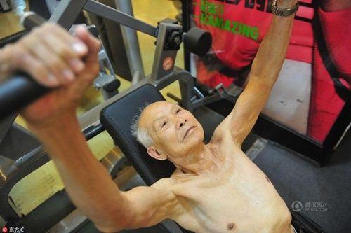 Cụ ông 94 tuổi vẫn chăm tập gym mỗi ngày - Ảnh 3