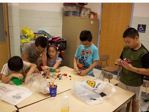Số phận những 'trẻ vệ tinh' người Trung Quốc ở Mỹ - Ảnh 1