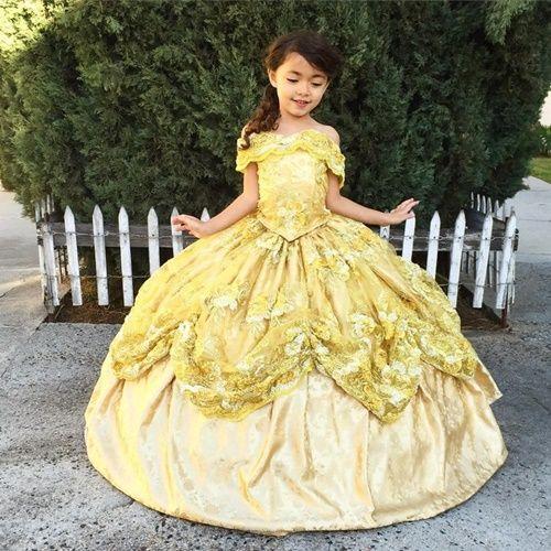 Ông bố biến ước mơ công chúa nữ hoàng của vợ con thành hiện thực - Ảnh 5