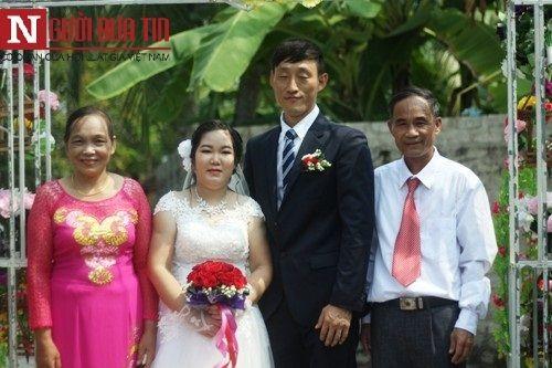 'Chuyện tình Zalo' của cô gái khuyết tật xứ Nghệ với người chồng Hàn Quốc - Ảnh 1