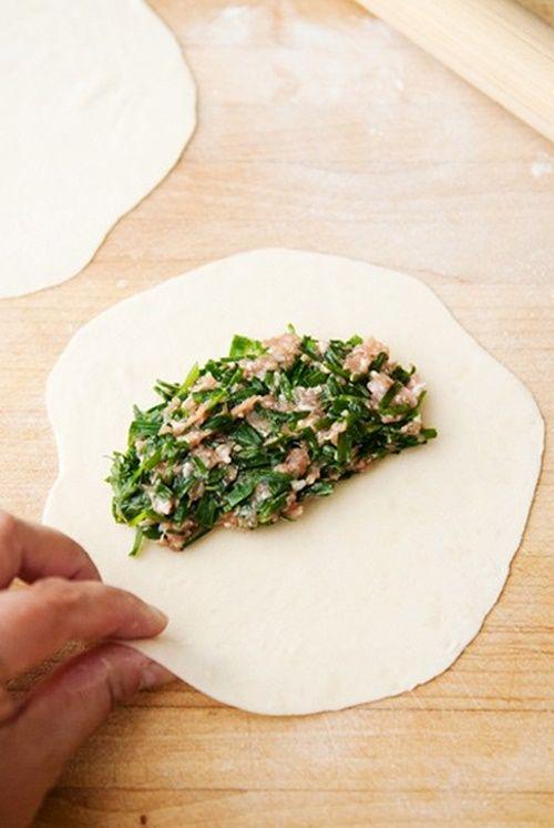 Cách làm bánh hẹ chiên giòn thơm ngon đúng điệu - Ảnh 4