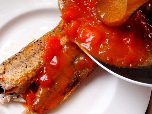 Bữa trưa ngon miệng với món cá hồng sốt cà chua - Ảnh 11