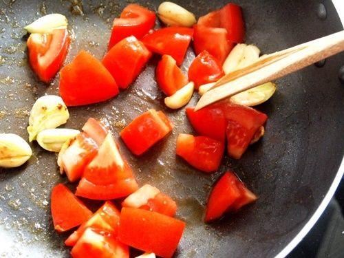 Bữa trưa ngon miệng với món cá hồng sốt cà chua - Ảnh 7