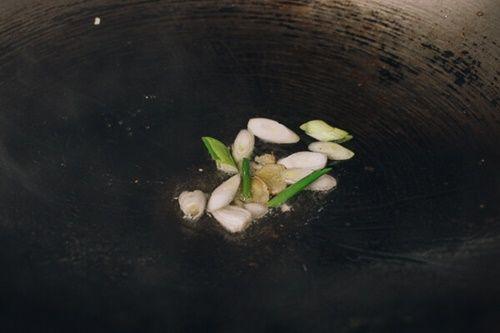Đậu phụ non sốt thịt bò - món ăn 'chết' cơm mùa lạnh - Ảnh 3