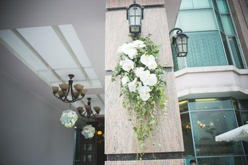 Cặp đôi chi 50 triệu đồngtrang trí nhà ngày cưới bằng hoa lan hồ điệp nhập khẩu - Ảnh 11