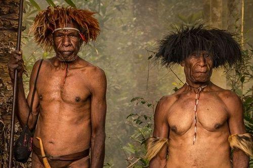 Hình ảnh bộ lạc có phong tục kì lạ để tỏ lòng thương tiếc người chết - Ảnh 9