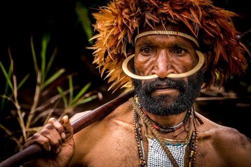 Hình ảnh bộ lạc có phong tục kì lạ để tỏ lòng thương tiếc người chết - Ảnh 4