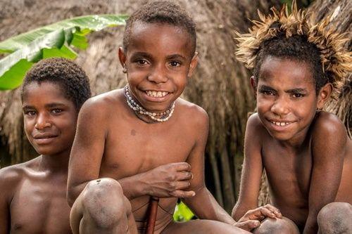Hình ảnh bộ lạc có phong tục kì lạ để tỏ lòng thương tiếc người chết - Ảnh 6