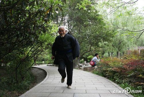 """Cụ ông 101 tuổi mệnh danh là người sống """"lành mạnh"""" nhất nổi tiếng mạng xã hội - Ảnh 7"""
