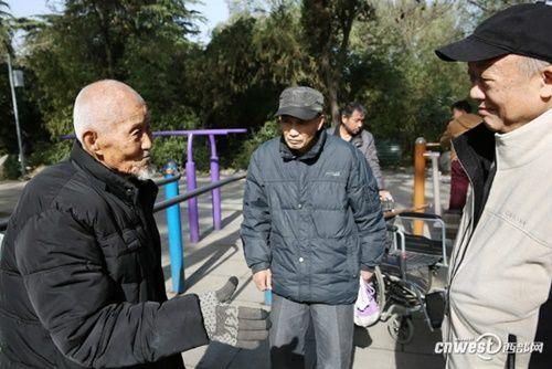 """Cụ ông 101 tuổi mệnh danh là người sống """"lành mạnh"""" nhất nổi tiếng mạng xã hội - Ảnh 9"""