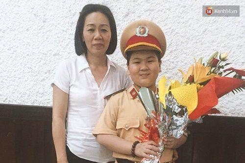 Cậu bé ung thư 11 tuổi mơ làm CSGT đã có một hành trình thật mạnh mẽ - Ảnh 14