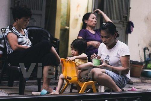 Những 'mảnh' tuổi thơ trên phố đường tàu Lê Duẩn - Ảnh 4
