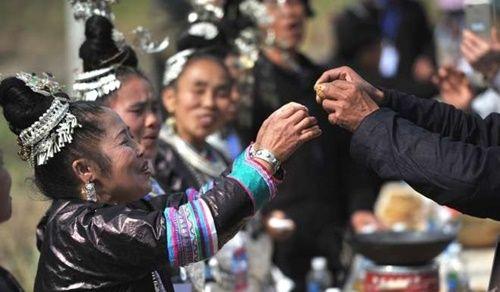 Trung Quốc phá vỡ kỉ lục dành cho bàn tiệc dài nhất thế giới - Ảnh 2
